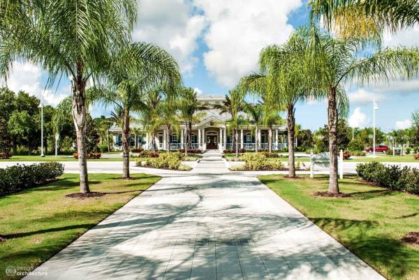 Grand Palm Clubhouse